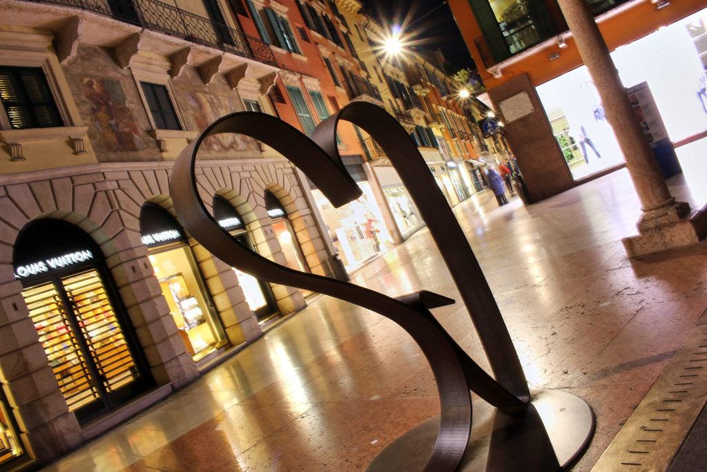 Via Giuseppe Mazzini, Verona